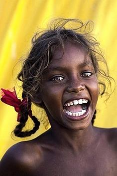 abo_3_-_jeune_fille_danse_aborigene-ee683