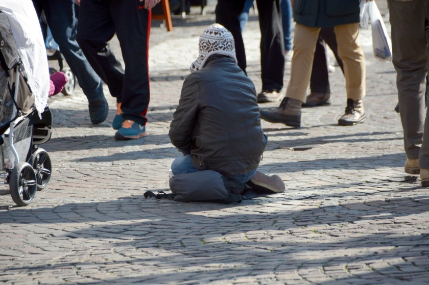 beggars-1233291_1280